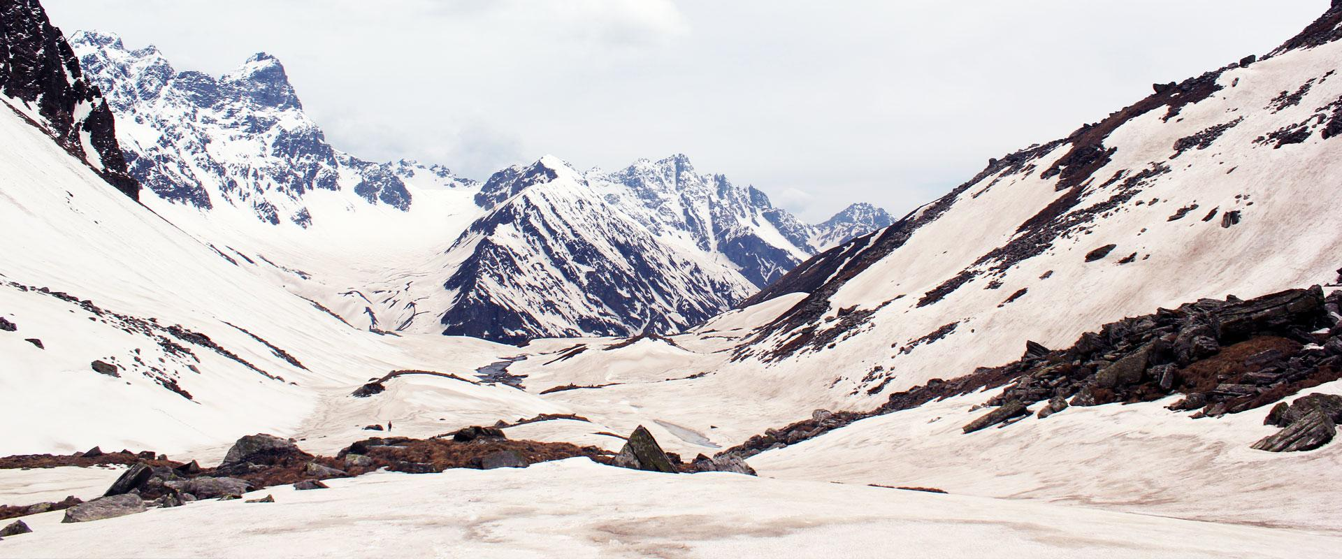 CHANDERNAHAN PEAK SNOW TREK